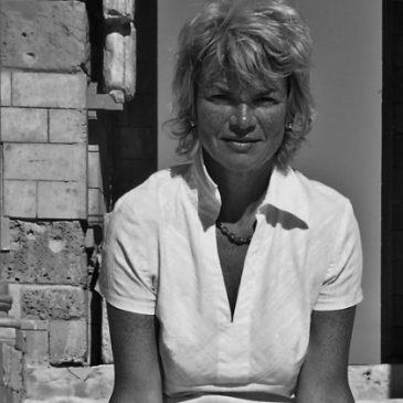 Sara Wheeler- An Island Apart