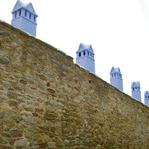 Foto: muur van het Imaret. Bericht: Sporen van het Ottomaanse rijk. www.andergriekenland.nl
