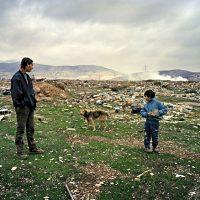 Fotografie: Joakim Eskildsen. Bericht: Tentoonstelling, The Roma Journeys. www.andergriekenland.nl