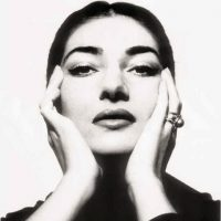 Foto: Maria Callas. Fotograaf: Cecil Beaton. Bericht: In Ridderkerk waait een andere wind. www.andergriekenland.nl