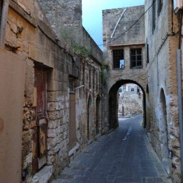De eerste avond in de oude stad van Rhodos.